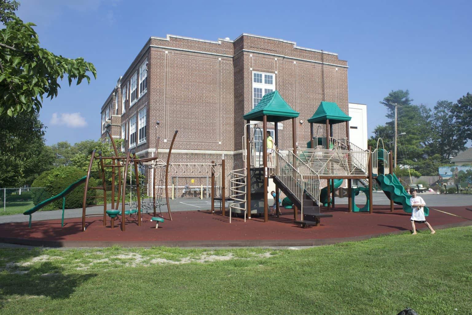 mountz-elementary-playground-spring-lake-nj_11653711485_o-1536x1024