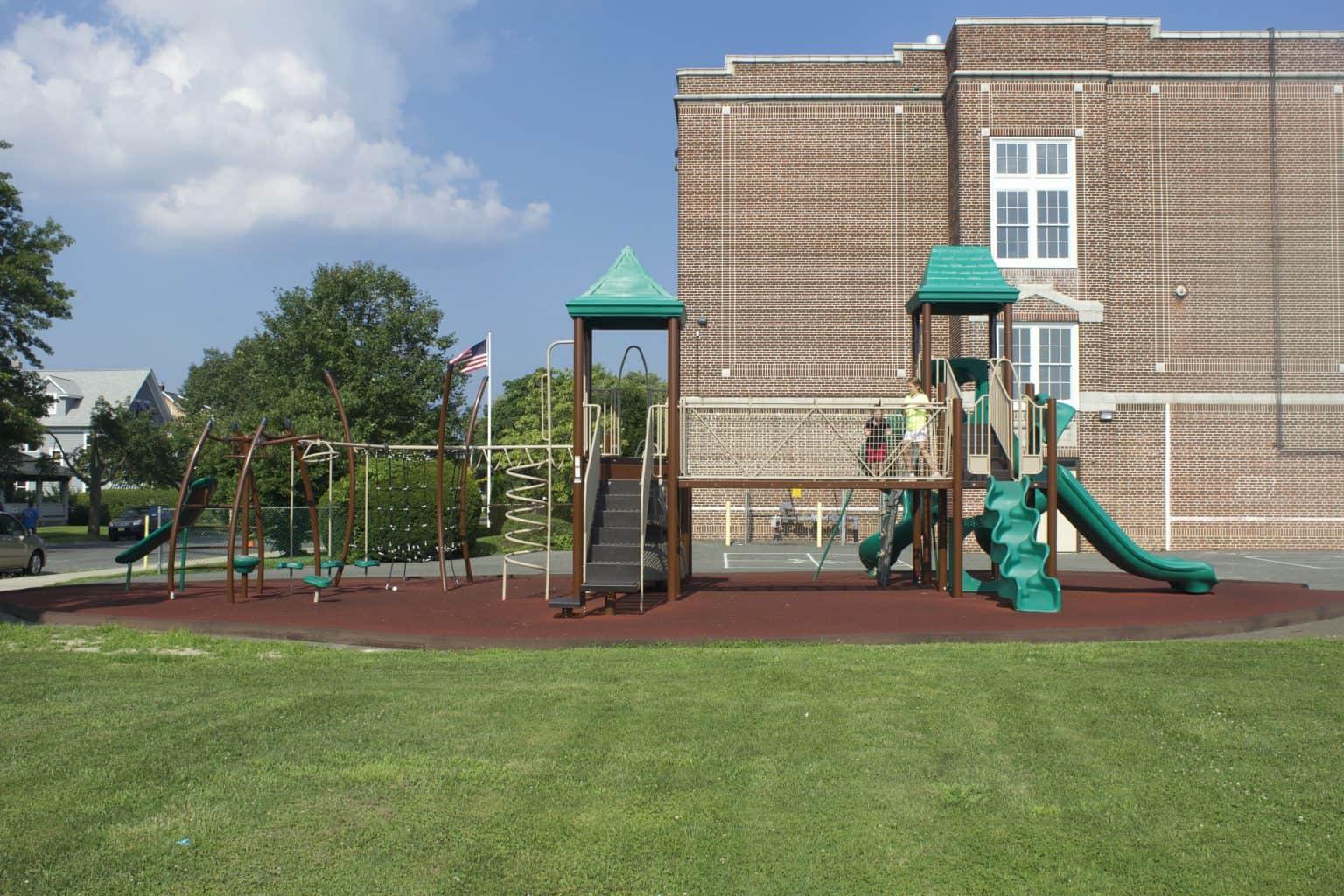 mountz-elementary-playground-spring-lake-nj_11653975423_o-1536x1024