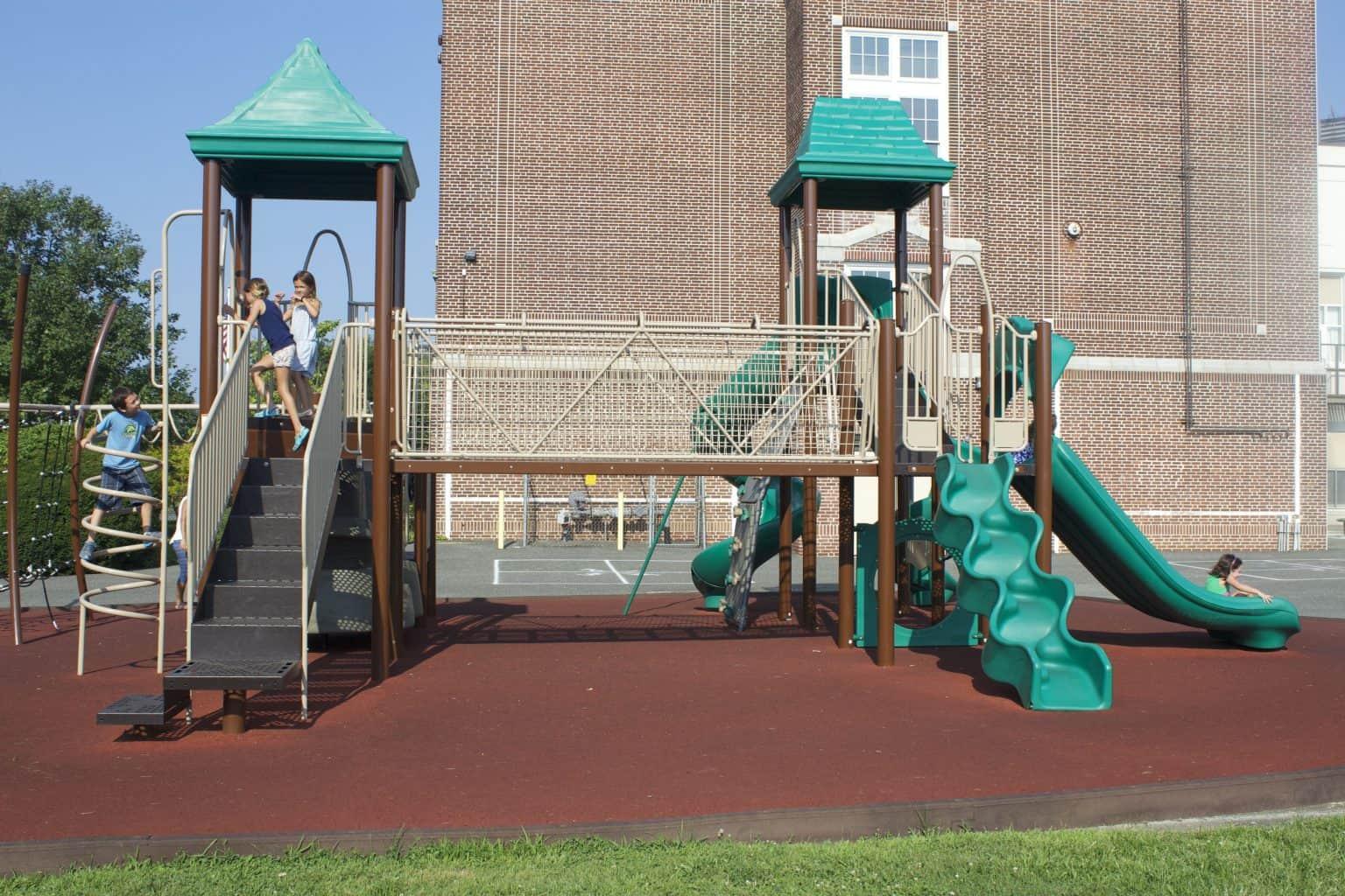 mountz-elementary-playground-spring-lake-nj_11654063554_o-1536x1024