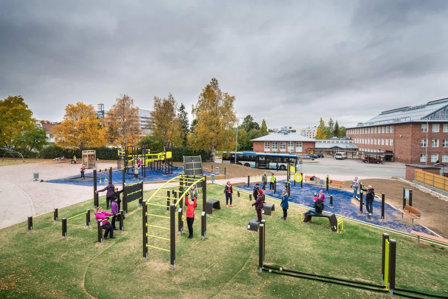 outdoor-fitness-equipment_49643287143_o-1536x1025