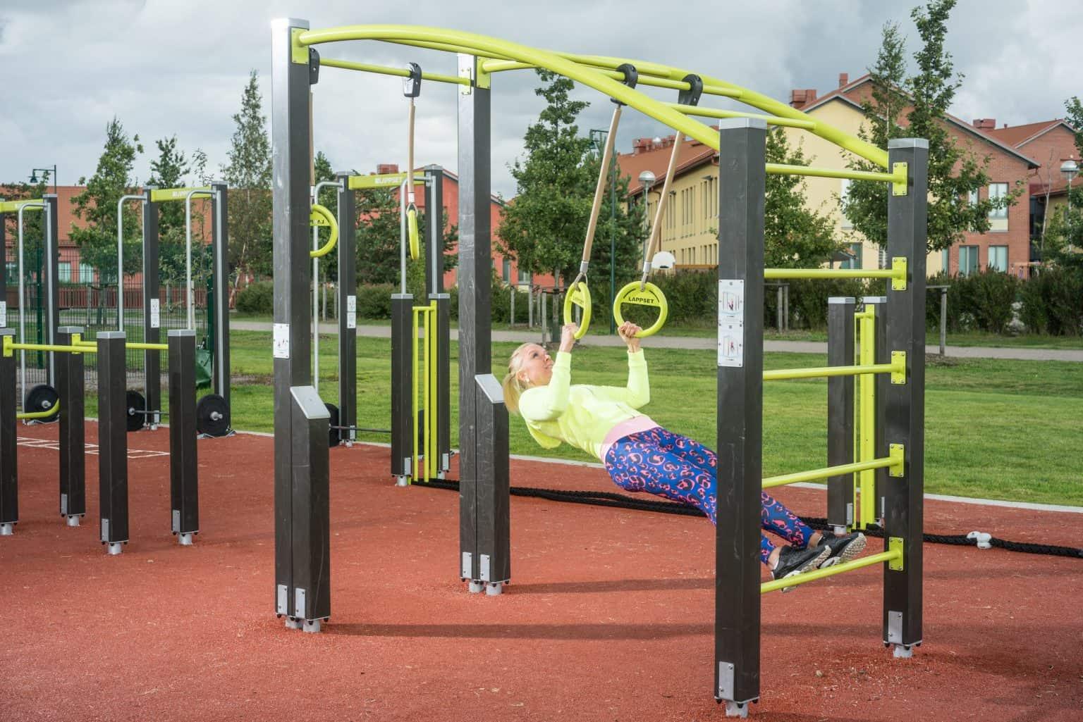 outdoor-fitness-equipment_49643807551_o-1536x1025