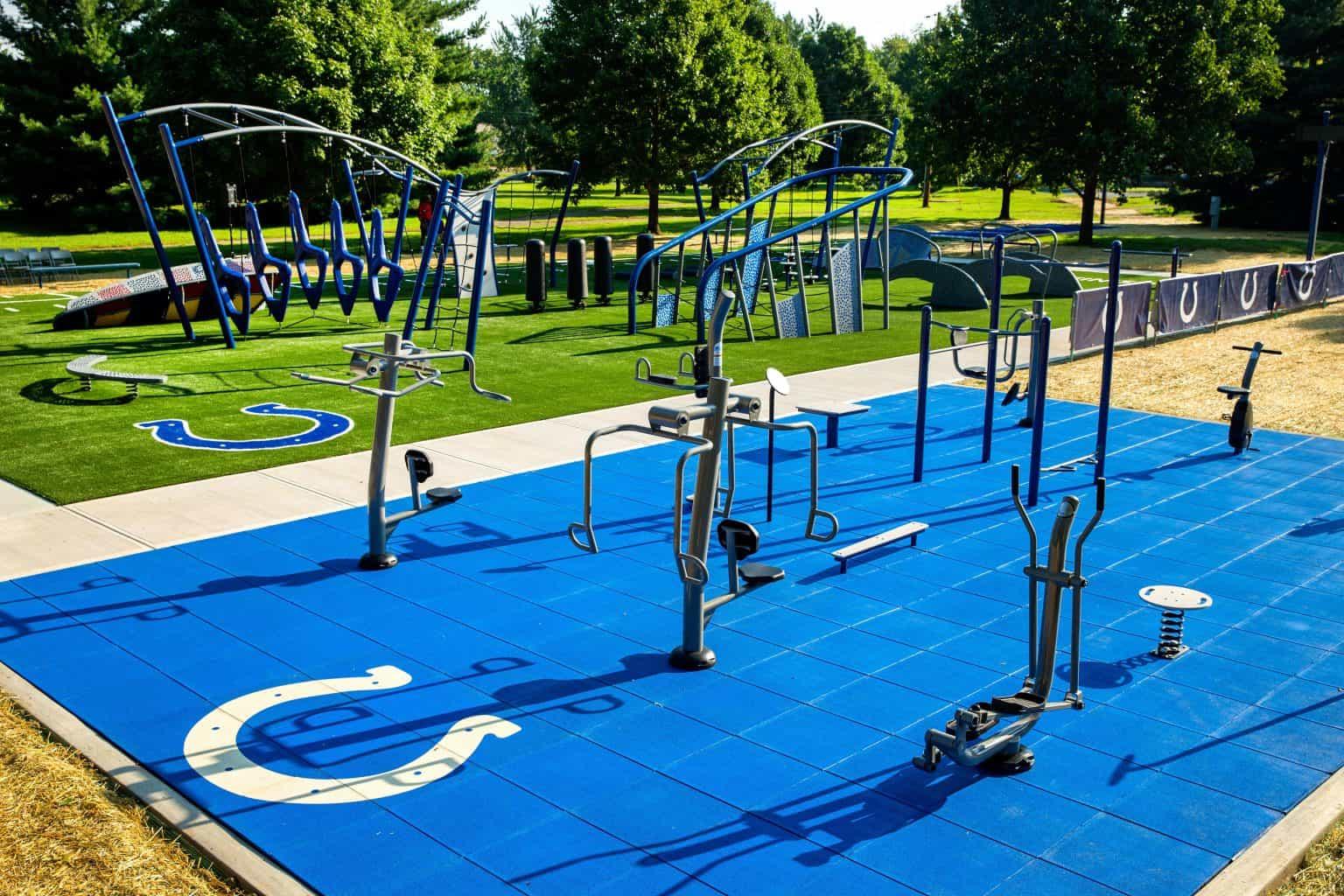 outdoor-fitness-equipment_49644071997_o-1536x1024