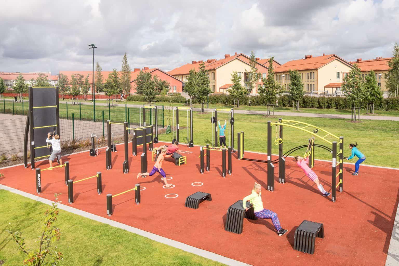 outdoor-fitness-equipment_49644085042_o-1536x1025