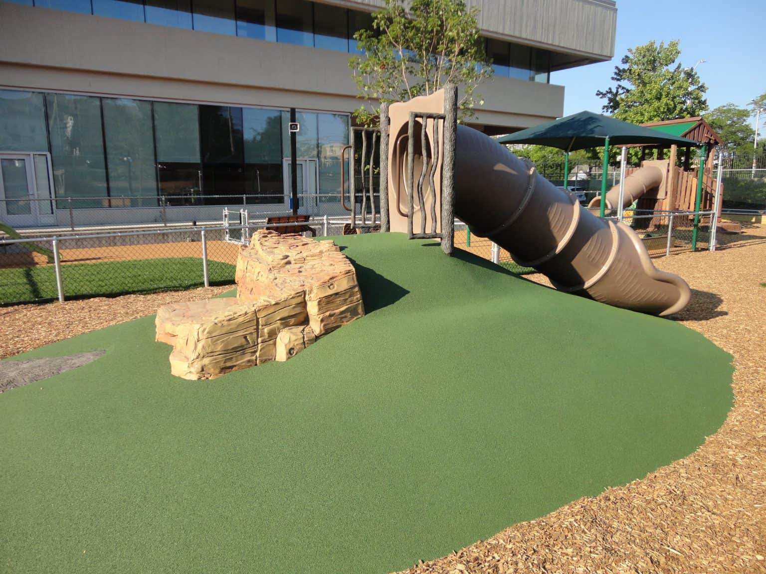 phyllis-bodel-daycare-playground-new-haven-ct_17939686978_o-1536x1152