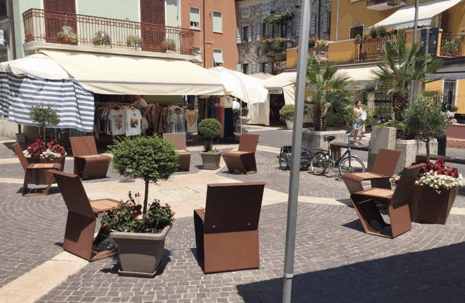 streetscape-furnishings_49643246708_o-1536x1002