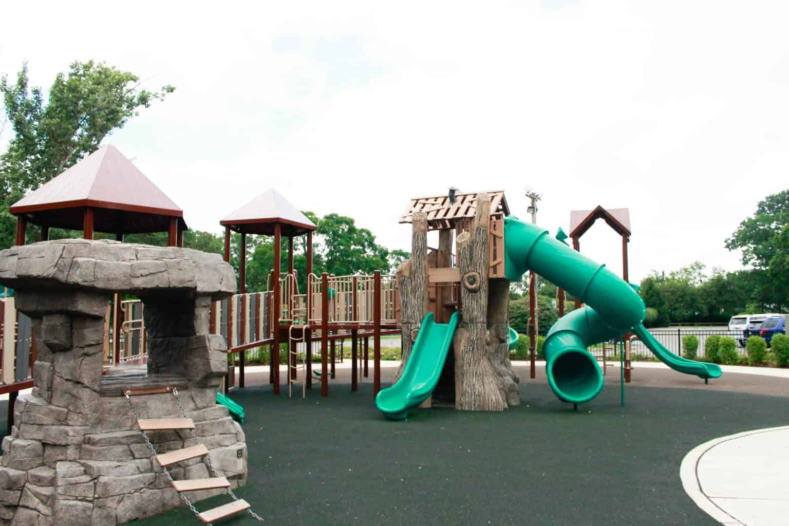 windward-beach-park-playground-brick-nj_27651421643_o-1-1536x1024
